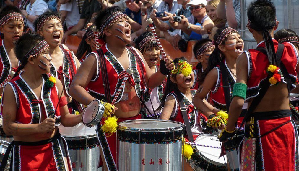 Берлинский карнавал культур b7077eb43be396a7d4937e33c22c2537.jpg