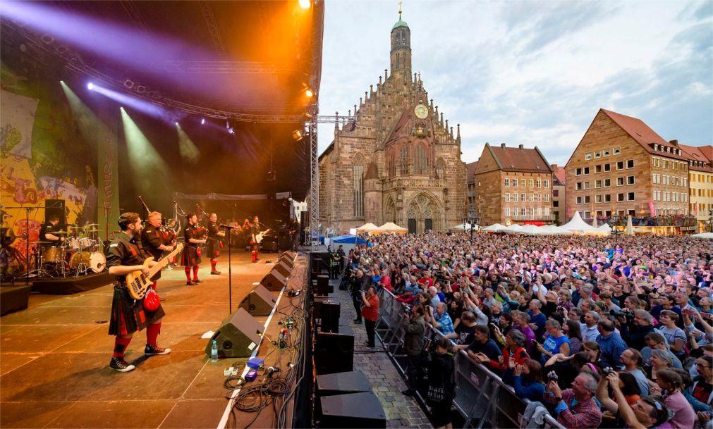 Музыкальный фестиваль Bardentreffen в Нюрнберге b88c8f236a5827d279a6391f92759a36.jpg