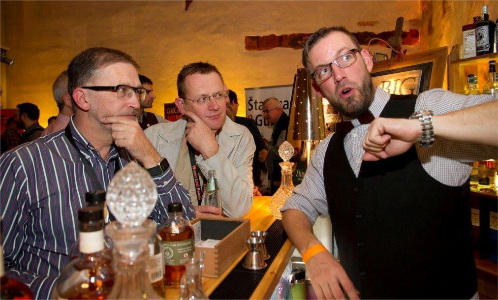Фестиваль виски Whiskey Live в Праге b8a555a7c365cd84fca9eb6a8406de49.jpg
