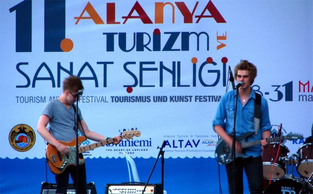 Международный фестиваль туризма и искусства в Аланье baeffbc07e7e008d05d95d36a6fb0580.jpg