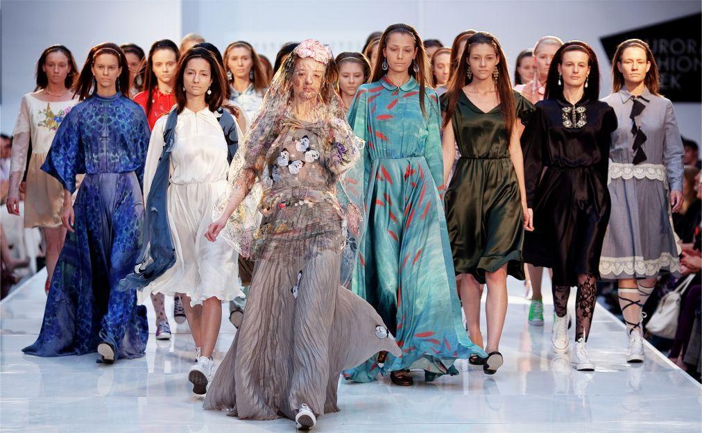 Неделя моды в Санкт-Петербурге baf3ebdb4a9eacf7334780b7ffd543f0.jpg
