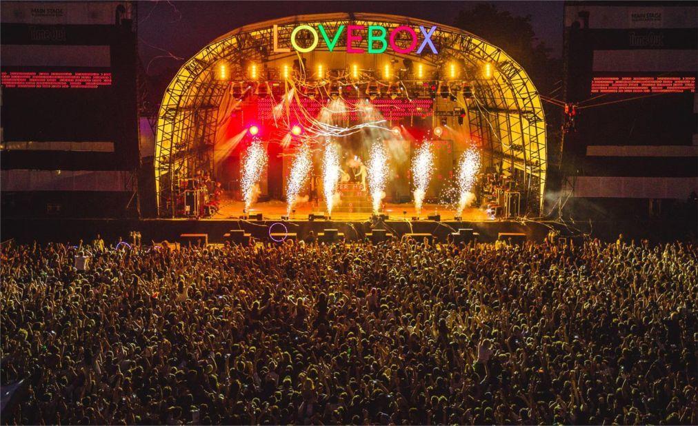 Музыкальный фестиваль Lovebox в Лондоне bc8c1f6b34f0a2f42a08cf30d08d4117.jpg