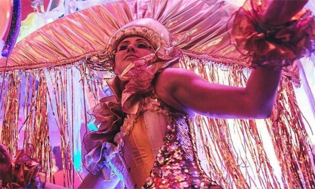 Фестиваль авангардного искусства VAULT в Лондоне bcdbf205c6c299c0ba0b35b6d7ea045f.jpg