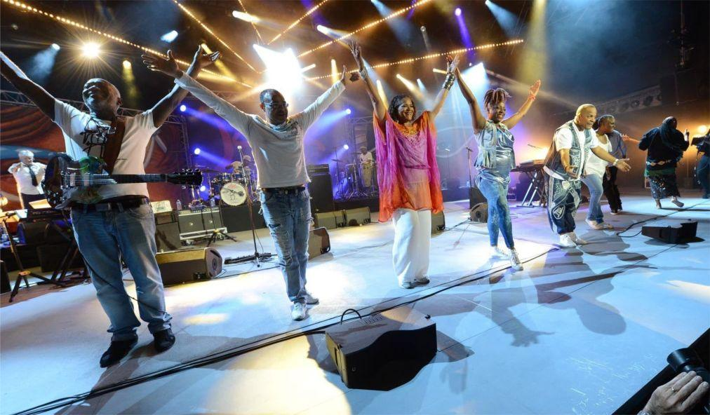 Музыкальный фестиваль «Fiesta des Suds» в Марселе be1639171f46a95ea18e627805d75140.jpg