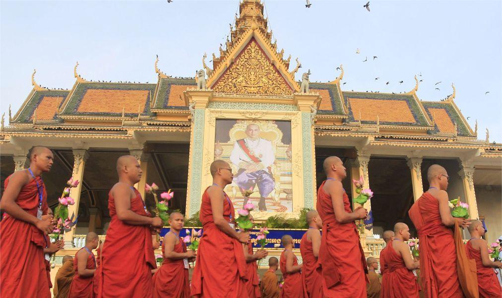 День Победы над геноцидом в Камбодже c017dde5fbabc397dd1938ecbdb4e93c.jpg
