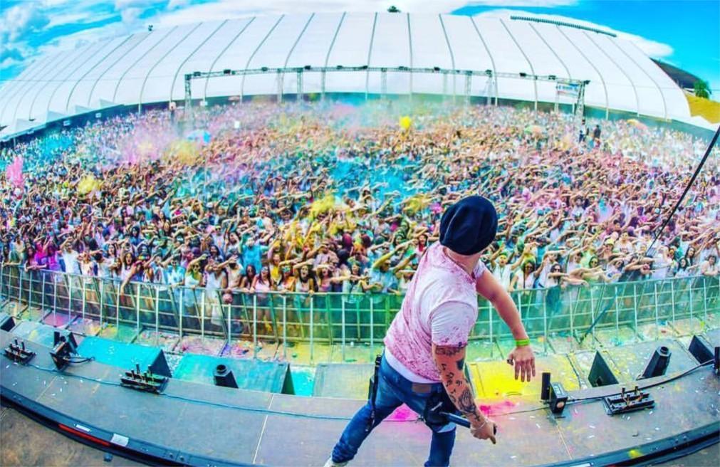 Фестиваль красок Холи в Лиссабоне c1edc1c0c0722c9c1c77c31d81ba7c0b.jpg