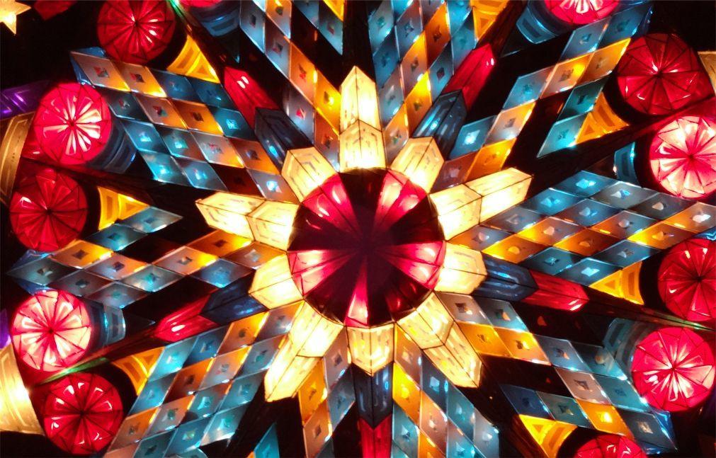 Фестиваль гигантских фонарей в Сан-Фернандо c381d07dc1f22b641ab5c36f95cf410c.jpg