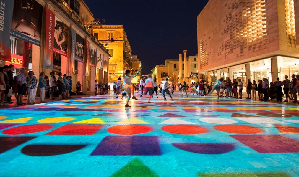 Мальтийский фестиваль искусств в Валлетте c5b6d67abf18a6c43d3388008dad78fb.jpg
