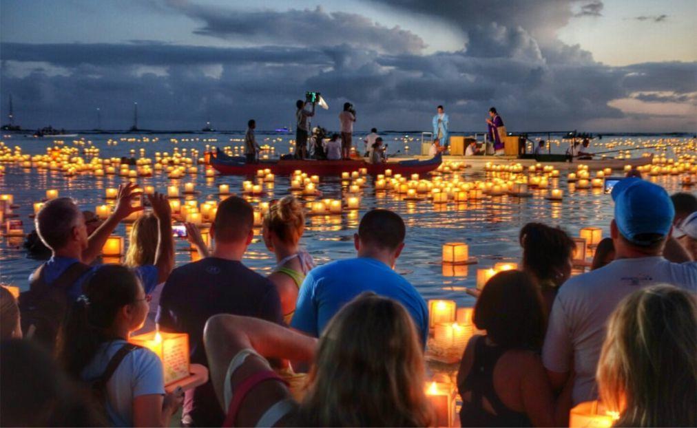 Фестиваль плавающих фонарей на Гавайях c60eab8a1aa9829fb7ef184a7df9dd56.jpg