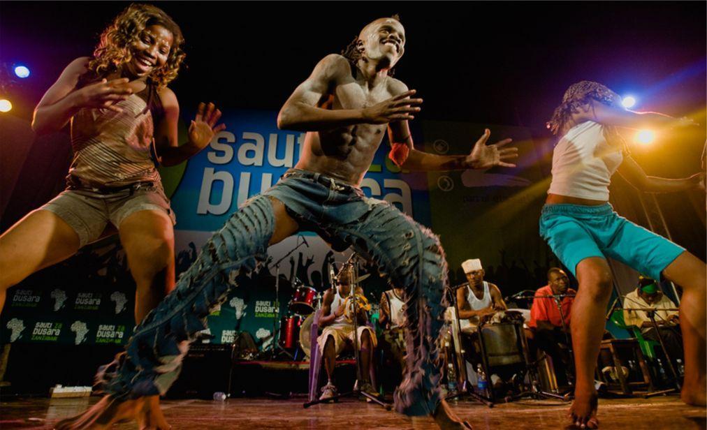 Музыкальный фестиваль Sauti za Busara в Стоун Тауне  c62de0f86f6e252ef967c9443700537b.jpg