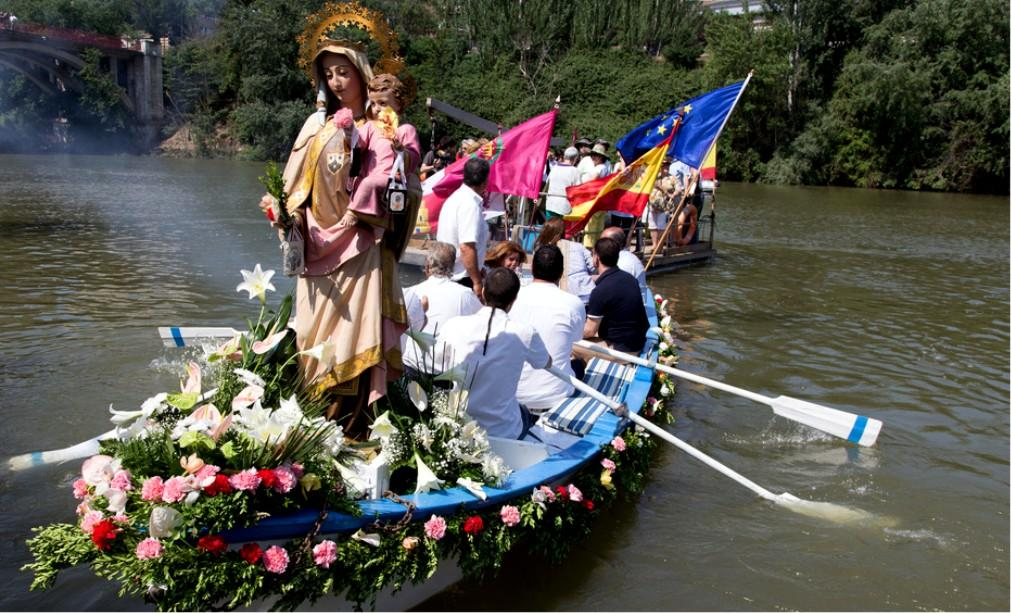 Фестиваль Девы Кармен в Испании c8407c4a078ba7da18ad75bb4a981778.jpg