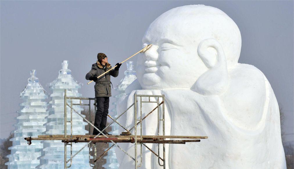 Международный фестиваль ледяных и снежных скульптур в Харбине c8493a7d7a3c9f07edf929d5b3ad8ec0.jpg
