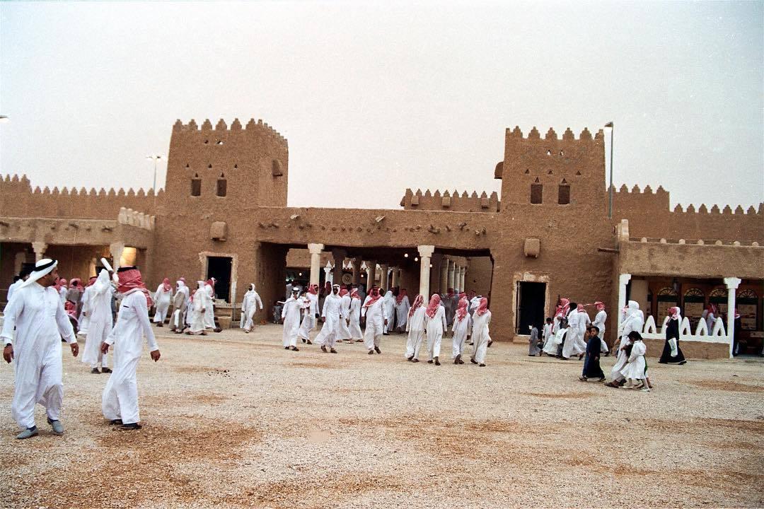 Фестиваль культурного наследия Дженадерия в Саудовской Аравии c8a331c30ca33d4ee3aa4ee0a4052213.jpg
