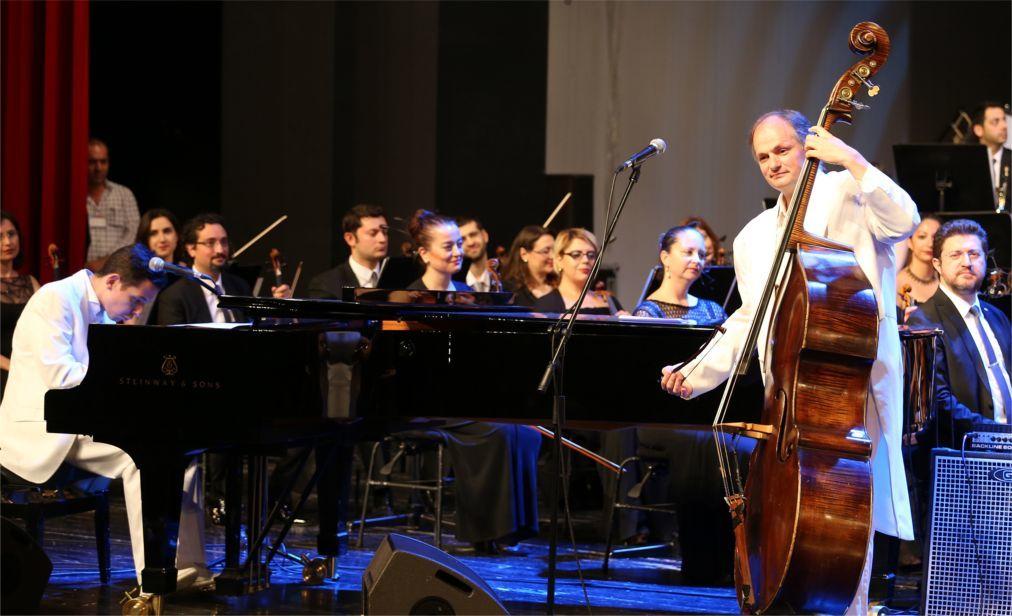 Международный музыкальный фестиваль в Бурсе cb6a5b49ba1774d2d9e07ac5204bddfb.jpg