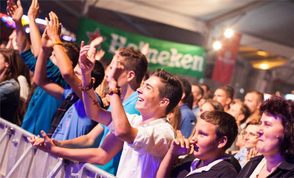 Пивной фестиваль «Дни пива» в Карловаце cdbf154dda7c250687d797b8c4655dbf.jpg