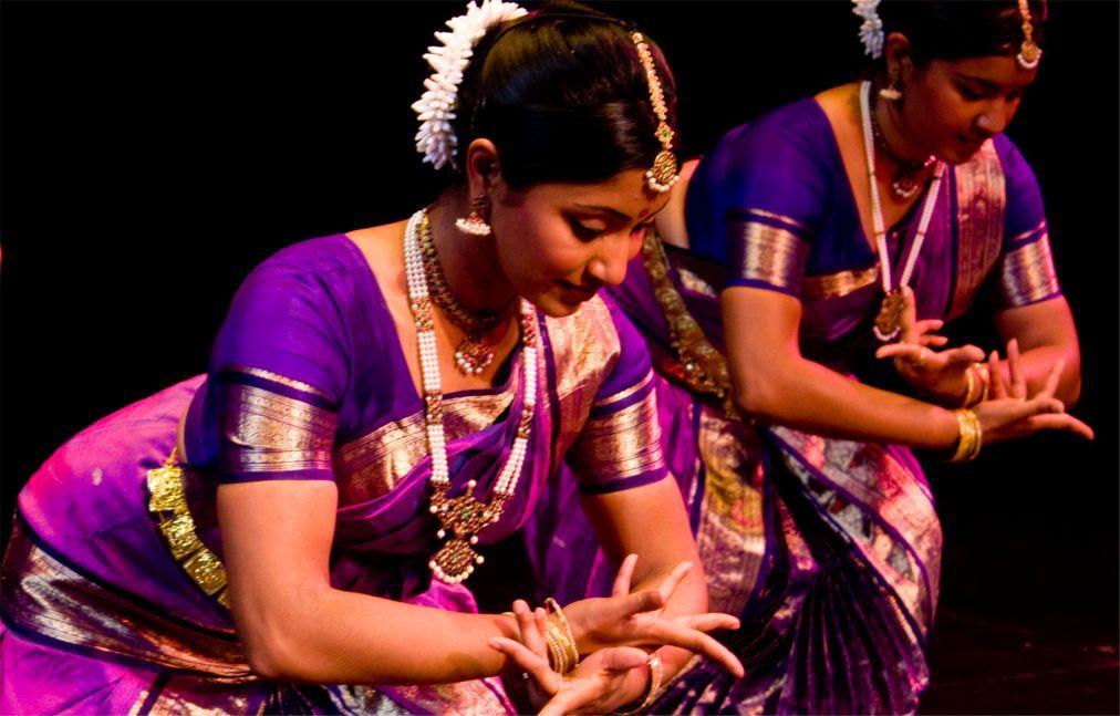 Фестиваль индийского танца и музыки «Сурья» в Тривандруме ce445de6ac66157432c6daaaf5cba01b.jpg