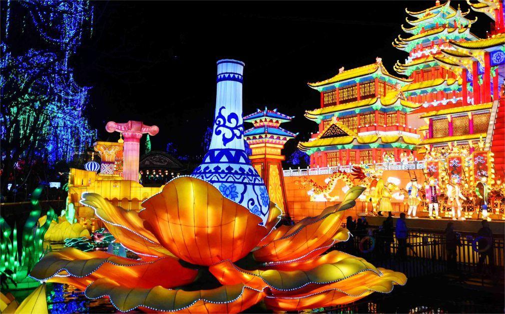 Фестиваль фонарей в Цзыгуне ce9313b1411293f0a8c73cb381fac680.jpg
