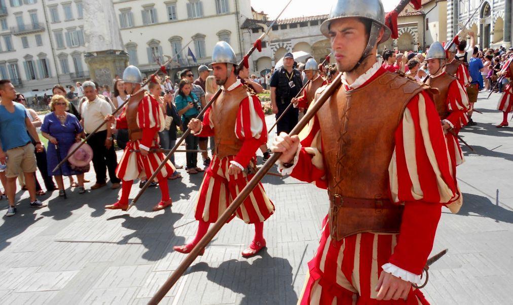 Праздник Святого Иоанна Крестителя во Флоренции cf7d69b6e526a5391d36bdea60a3d6cb.jpg