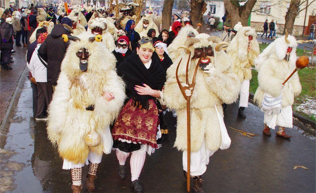 Фестиваль масок «Бушо» в Мохаче cfc316f29df7ca09c1d34fd1193ddd40.jpg