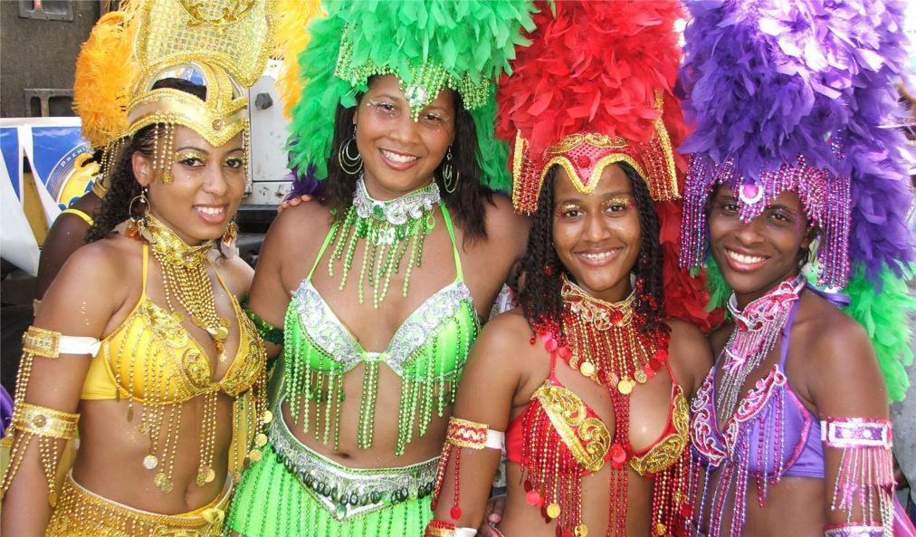 Карнавал на Доминике d034ccb3a410f6a6936fa285988911f8.jpg