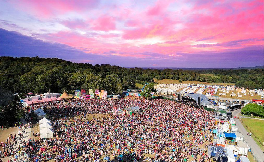 Музыкальный фестиваль Bestival на острове Уайт d2700dcc59cf7778c200fa09eea0d115.jpg