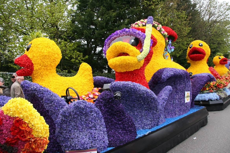 Парад цветов Bollenstreek в Нидерландах d37026138241c02f9cb68dae80ce85f6.jpg