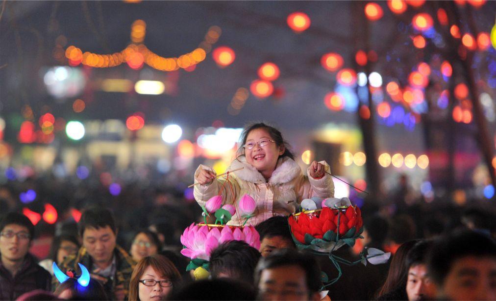 Праздник фонарей в Китае d62b1439d3c5276661203940f08b6a1e.jpg