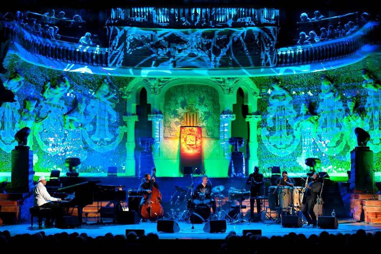 Международный джазовый фестиваль в Барселоне d89591e65a3f318db5fdb29755d76909.jpg