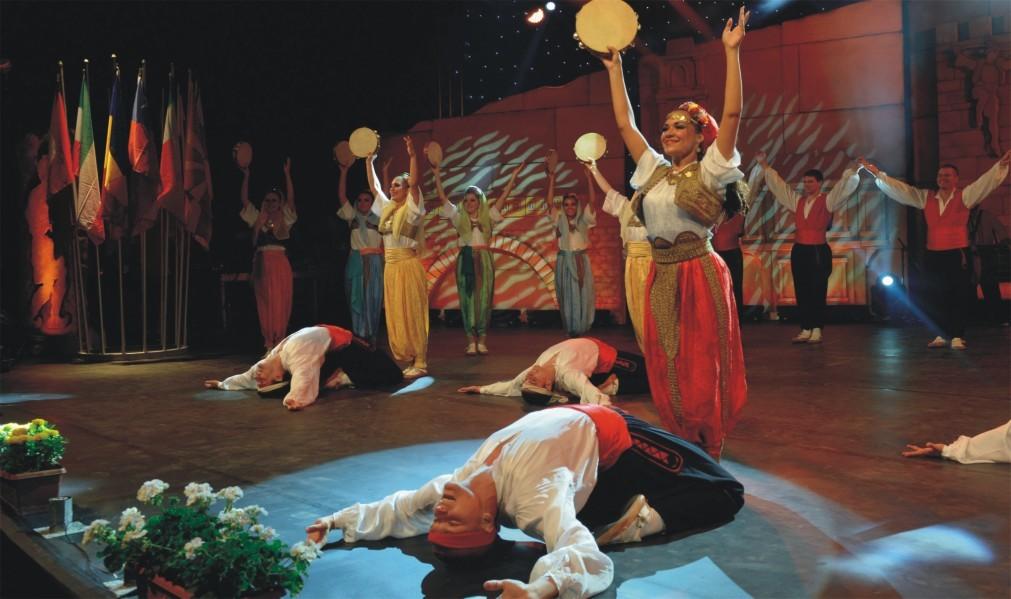 Международный конкурс народных танцев «Золотой Карагоз» в Бурсе da84e109d7e512b6e5bd8ab1f70377f1.jpg