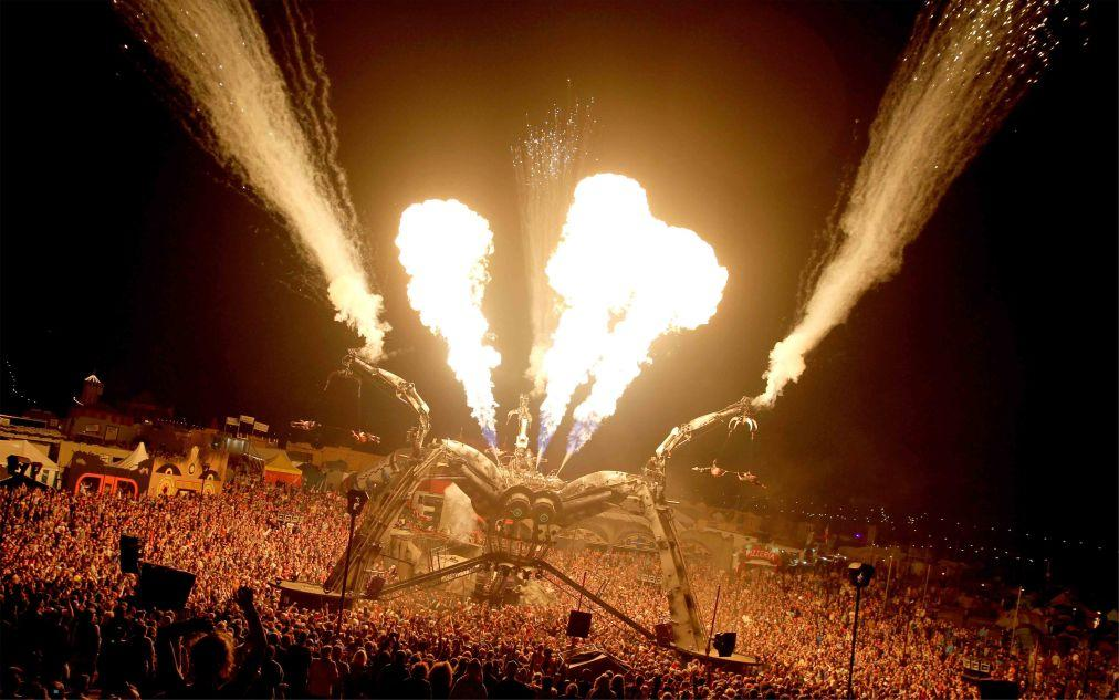 Музыкальный фестиваль BoomTown в Уинчестере dbef27688b5a986fdded3e00067e53bc.jpg