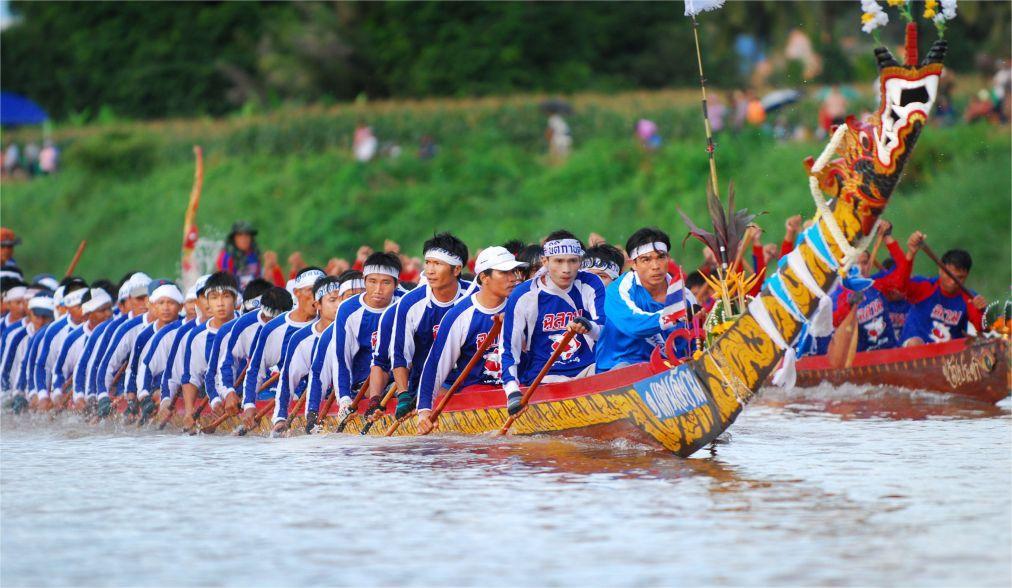 Королевская гонка на длиннохвостых лодках по реке Нан dc70f1e3d1e9edee98e1305abbbda81c.jpg