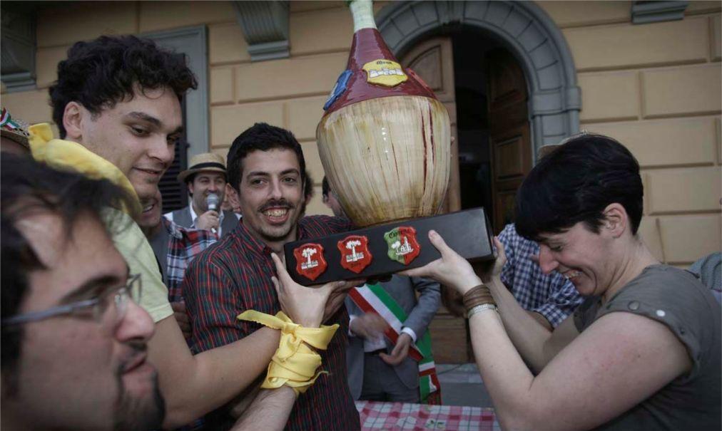 Фестиваль вина Кьянти в Монтеспертоли de7fe507ba4051dde552d07d2b42b0f7.jpg