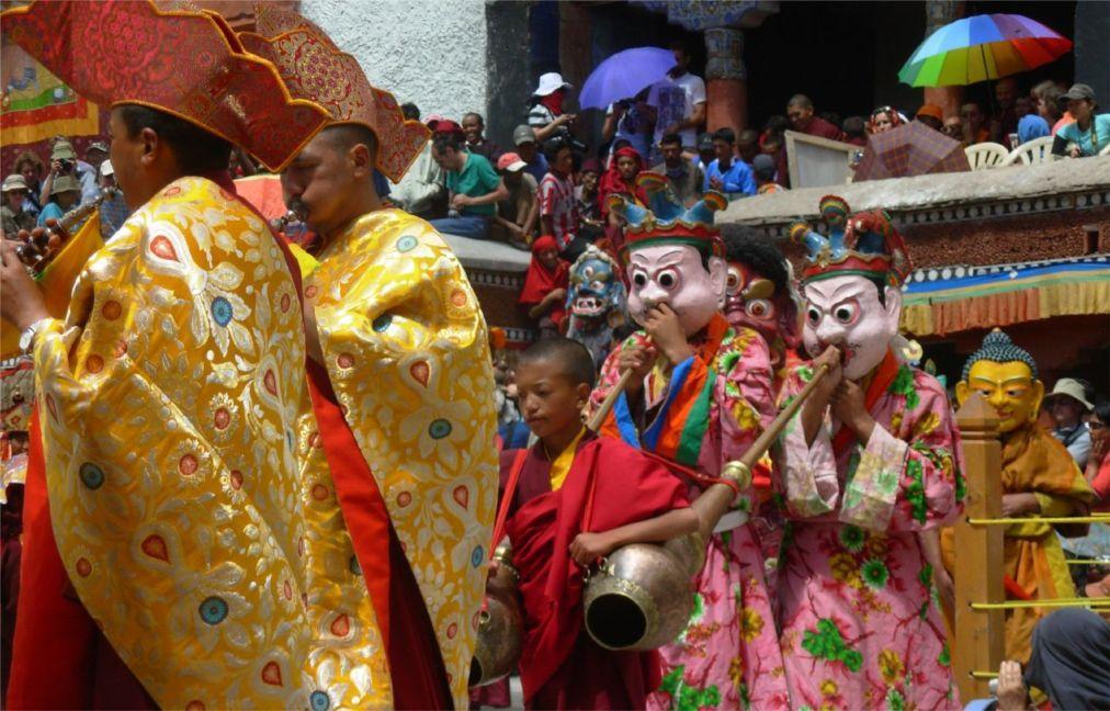 Фестиваль Хемис в Ладакхе e0a3928dd2d54ee3c5eaba5596f2e51c.jpg