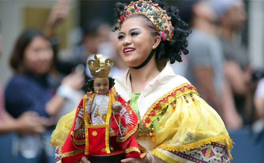 Фестиваль Динагьянг в Илоило e253333f8d656f2545d0ad180cb9636d.jpg