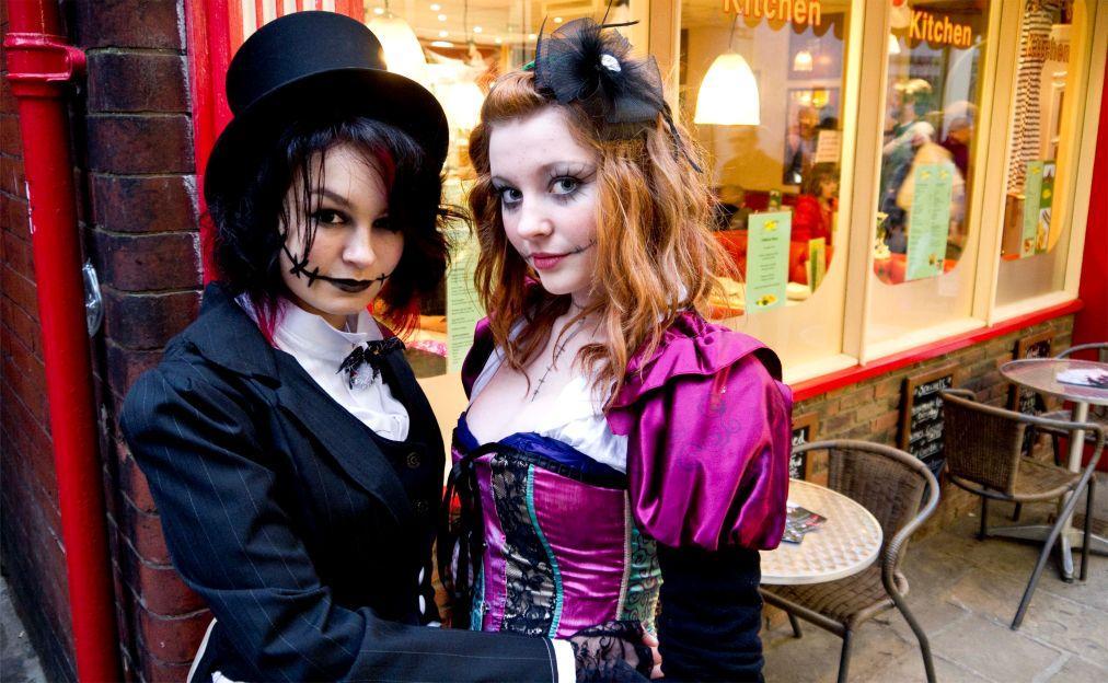 Фестиваль готической культуры и музыки Goth Weekend в Уитби e567adfd6583d0c543b3302481ada290.jpg