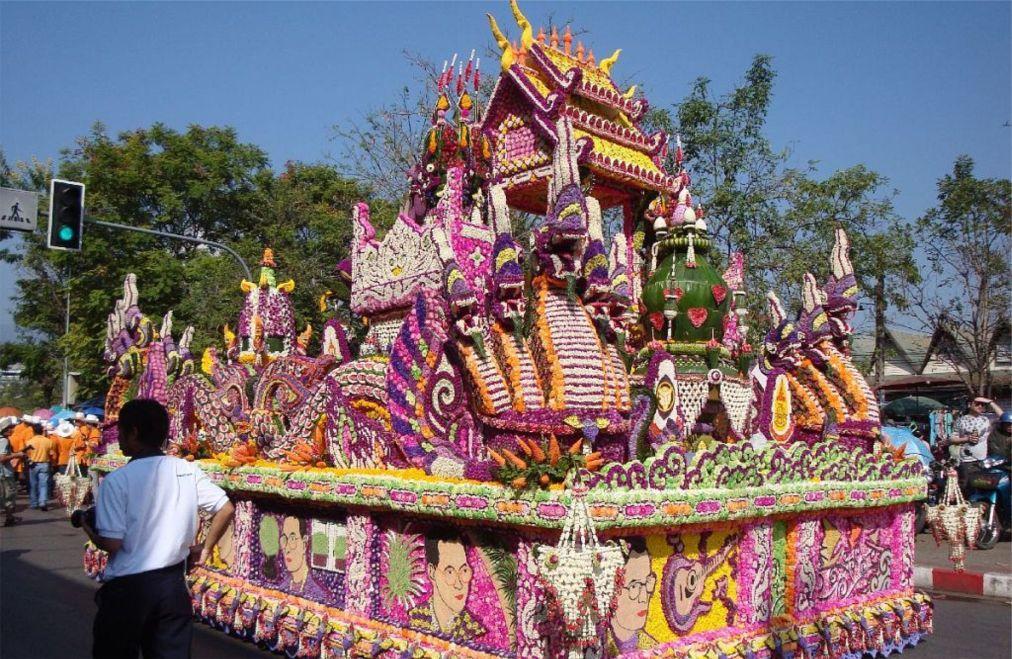 Фестиваль цветов в Чианг Май e81b24b7797e195bdffcd5c89e3d9b0d.jpg