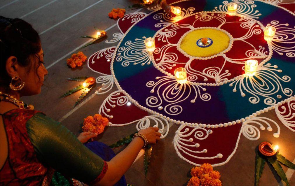 Праздник огней Дивали на Шри-Ланке e9e4ec17d8f9b43c2ea970430bb82af7.jpg