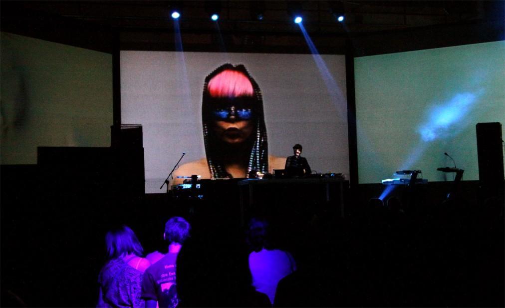 Фестиваль электронной музыки Unsound в Кракове eaef4af8933f04df6f18eb34b4a68d53.jpg