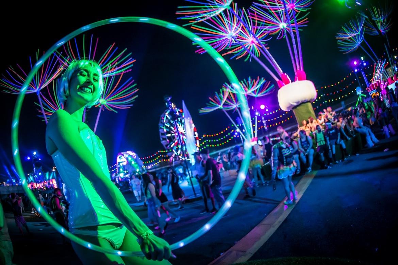 Музыкальный фестиваль «Electric Daisy Carnival» в Лас-Вегасе eb95f47c27489dba827c0af18e2557e1.jpg