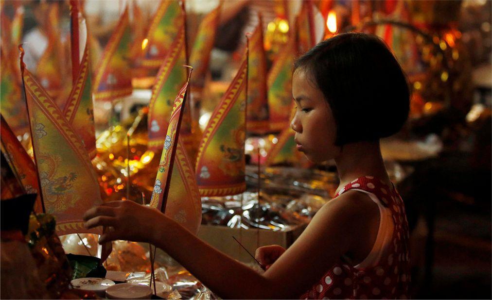 Фестиваль голодных духов в Китае ec7adb7c7208a24156ea536376927b41.jpg