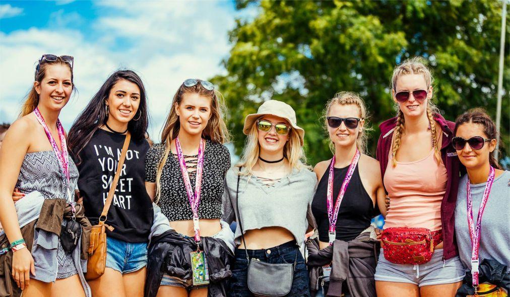 Фестиваль электронной музыки Creamfields в Дарсбери ec957a54542773f175e2fd26f6b12128.jpg