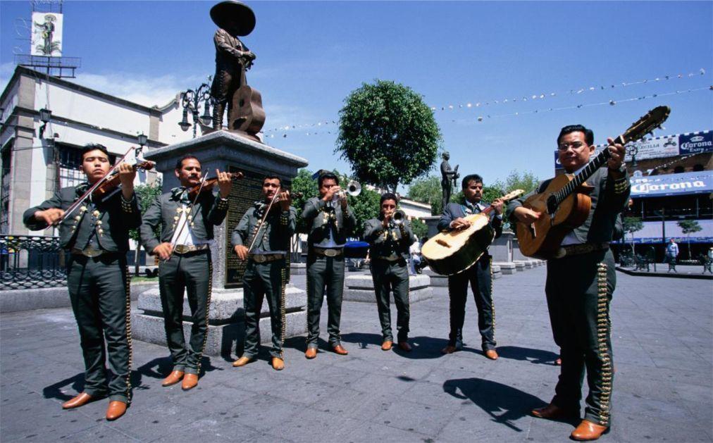 Фестиваль «Синко де Майо» в Мексике edca39f10074f2bf4d885854318d24f0.jpg