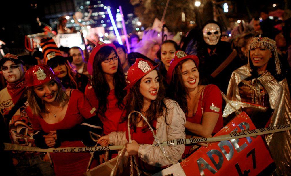 Вилладж Хэллоуин Парад в Нью-Йорке ee6f1697bc7e5b403291833ed55825aa.jpg