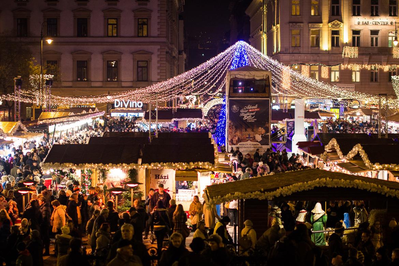 Рождественская ярмарка в Будапеште efcd311f5c7fcc67dad24958fb0f9c4f.jpg