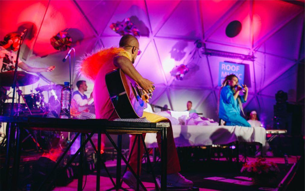 Музыкальный фестиваль Roof Music Fest в Санк-Петербурге f055e35e5885c4d73332dd09bafc838e.jpg