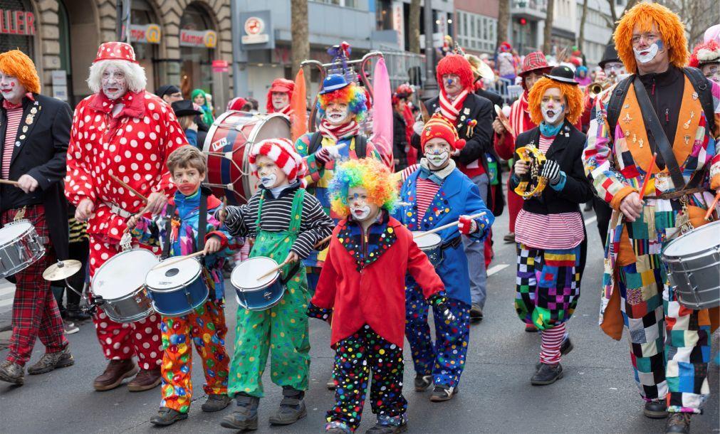 Дюссельдорфский карнавал f21ff97a6e567350b2881efefb5655d8.jpg