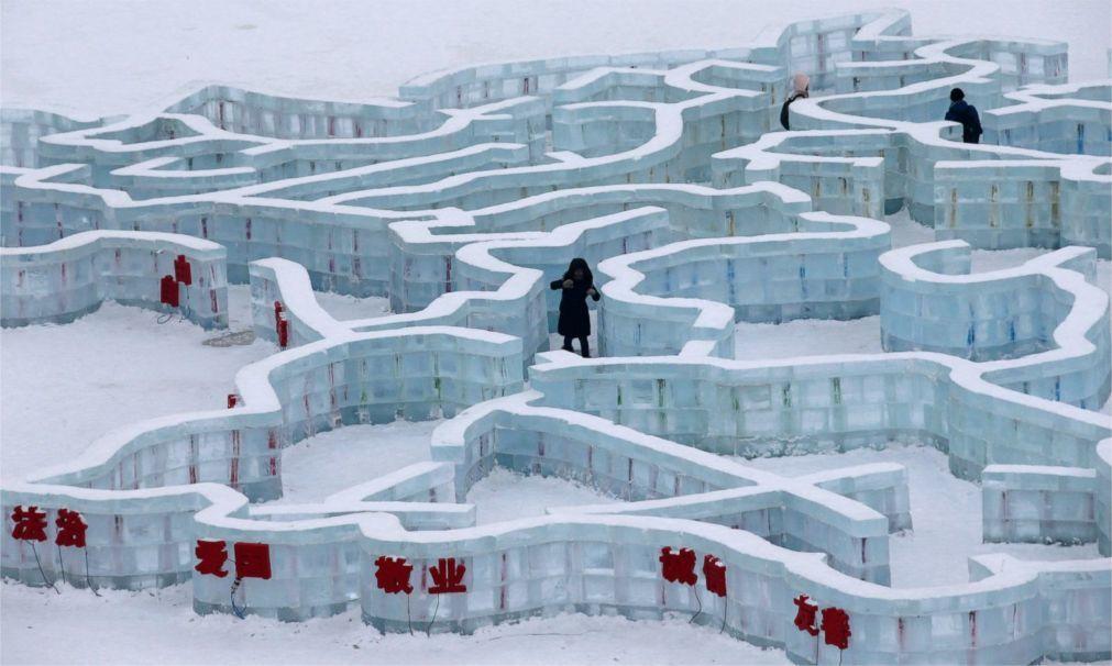 Международный фестиваль ледяных и снежных скульптур в Харбине f28bf5c362cf4a915aed9c6acf996ac0.jpg