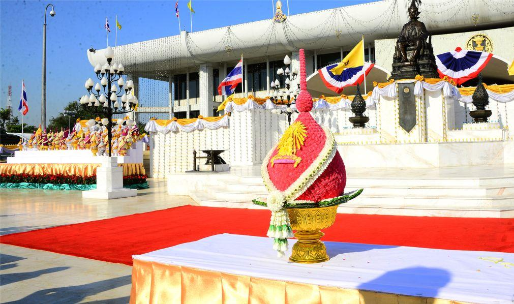 День Конституции в Таиланде f3546eea5256d3fb99f5b517028da6fa.jpg