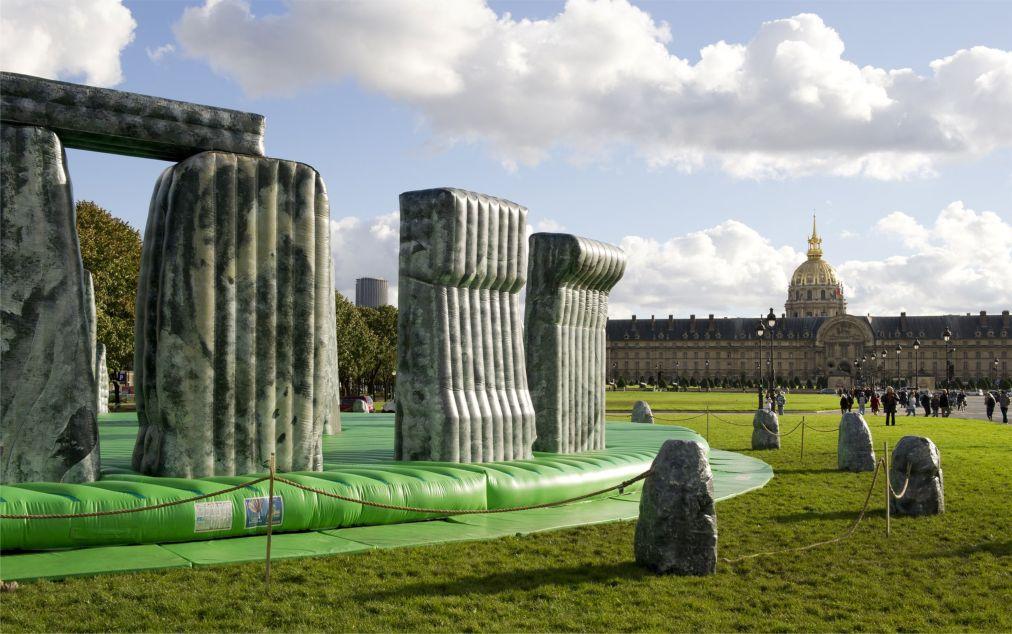 Международная ярмарка современного искусства FIAC в Париже f44ac9539955d1eb7325bd895710d4d0.jpg