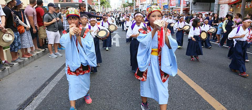 Фестиваль перетягивания каната в Нахе